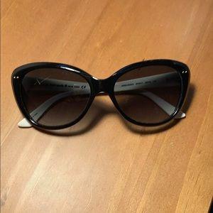 Kate Spade Sun Glasses & Case